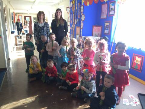 Puffin Produce delivers Daffodils to schools 2015