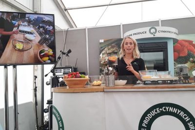 Megan from Puffin Produce demonstrating how to make our Rudolph St. Clements Cake